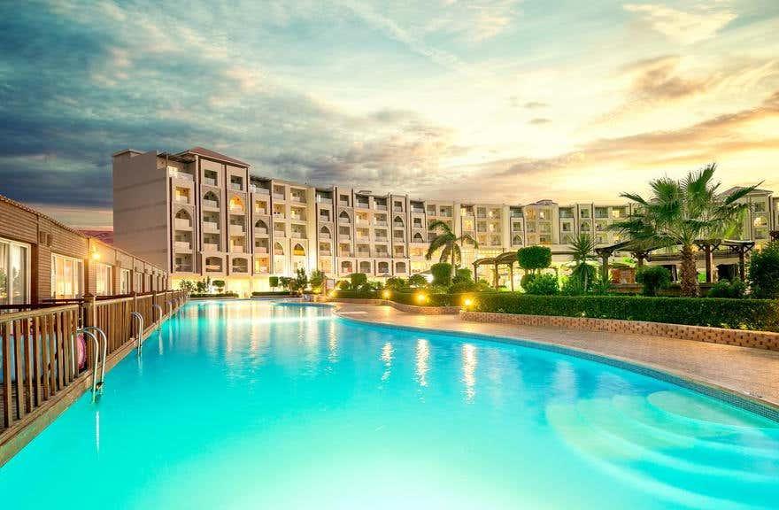Hawaii Caesar Palace Hotel & Aqua Park (EX. Mirage Aqua Park Hotel & Spa)