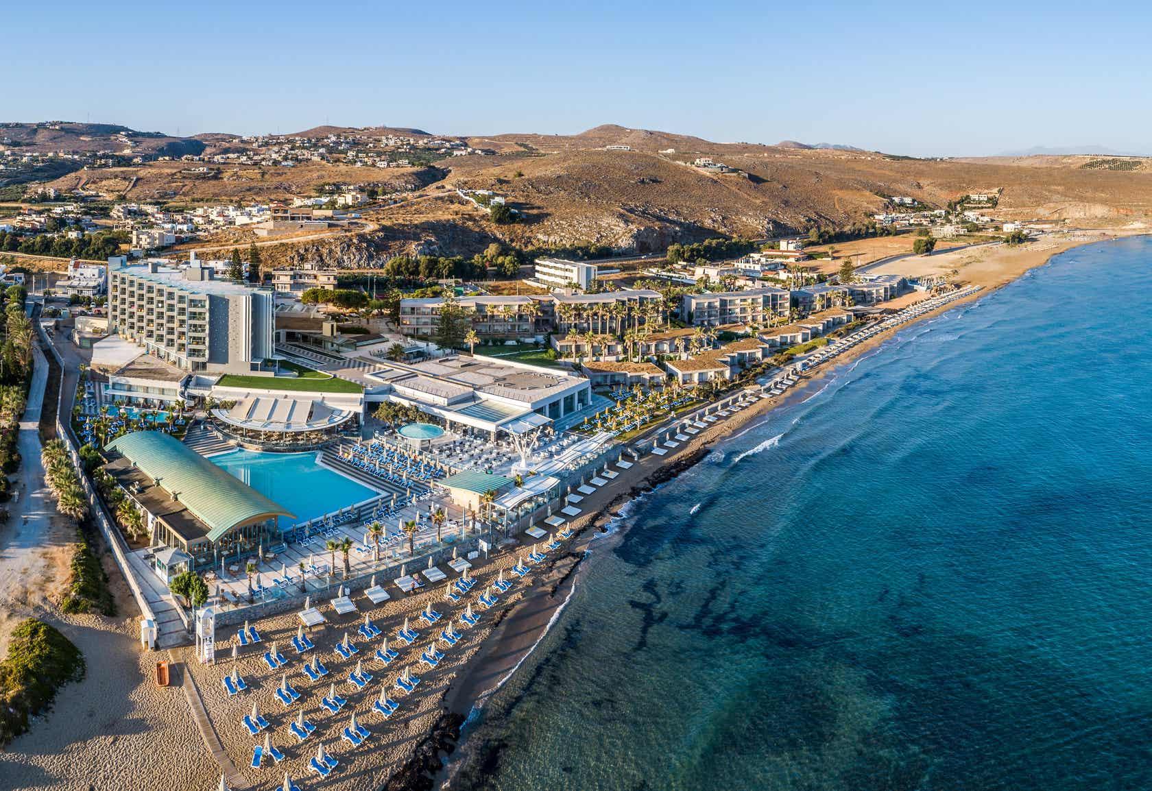 Arina Beach Hotel & Bungalows