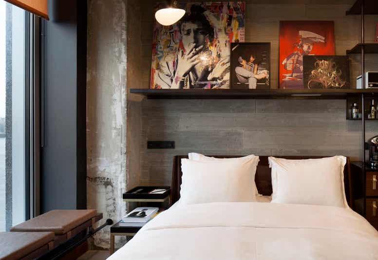 Sir Adam Hotel