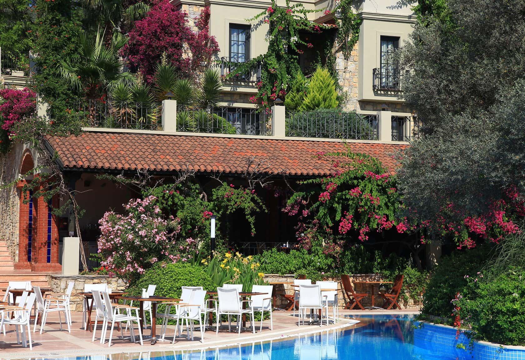 Zeytinada Hotel