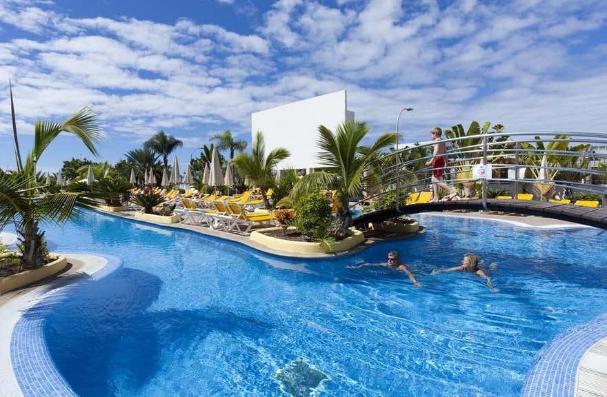 Paradise Park Fun Lifestyle Hotel