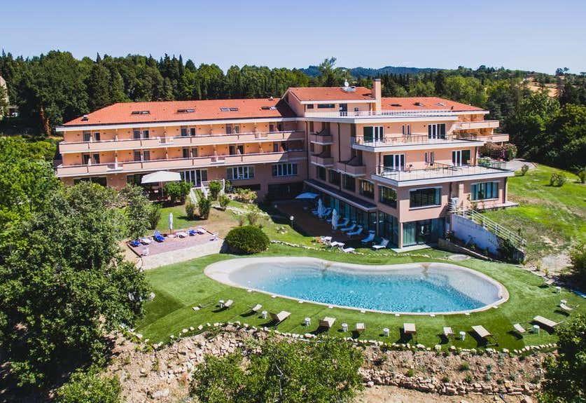 Demidoff Country Resort