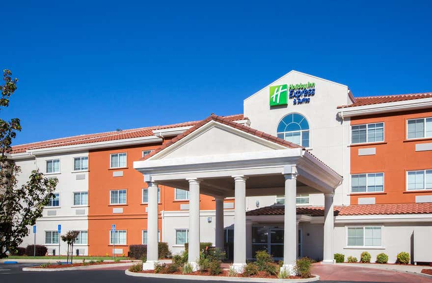 Holiday Inn Express Hotel & Suites Oroville Lake