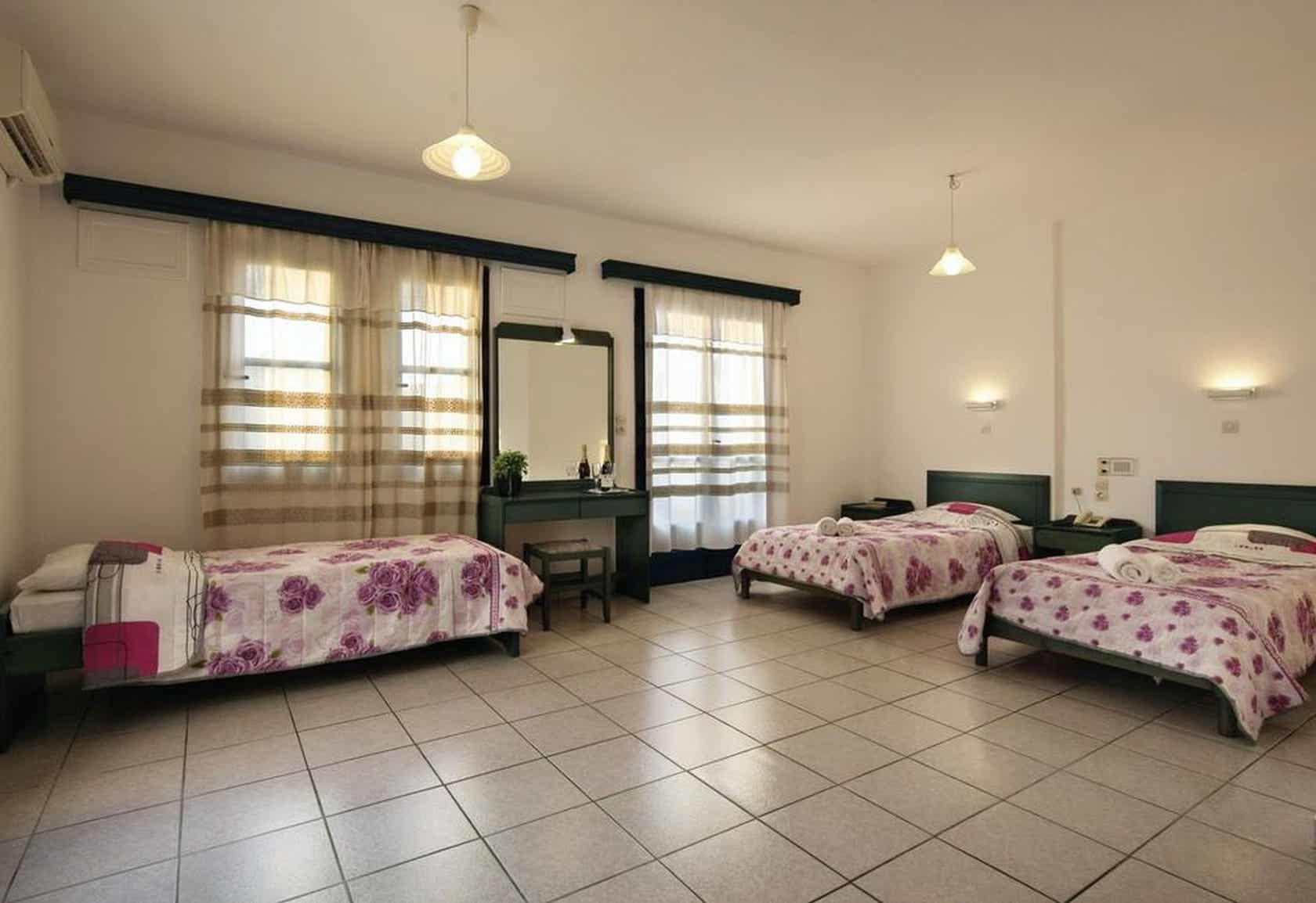 Simple Hotel Athina Inn