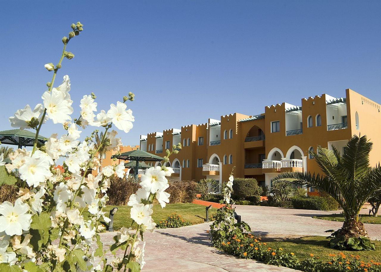 Sunrise Garden Beach Resort In Hurghada Red Sea Loveholidays