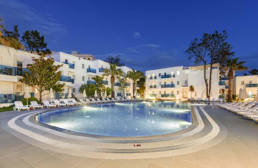 Le Bleu Hotel and Spa Kusadasi