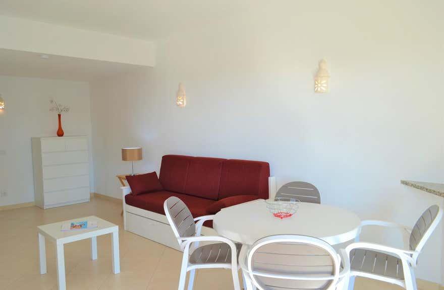 Algamar Apartments by Garvetur
