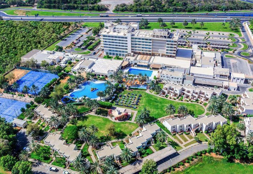 Radisson Blu Hotel & Resort Al Ain (ex Hilton Al Ain)