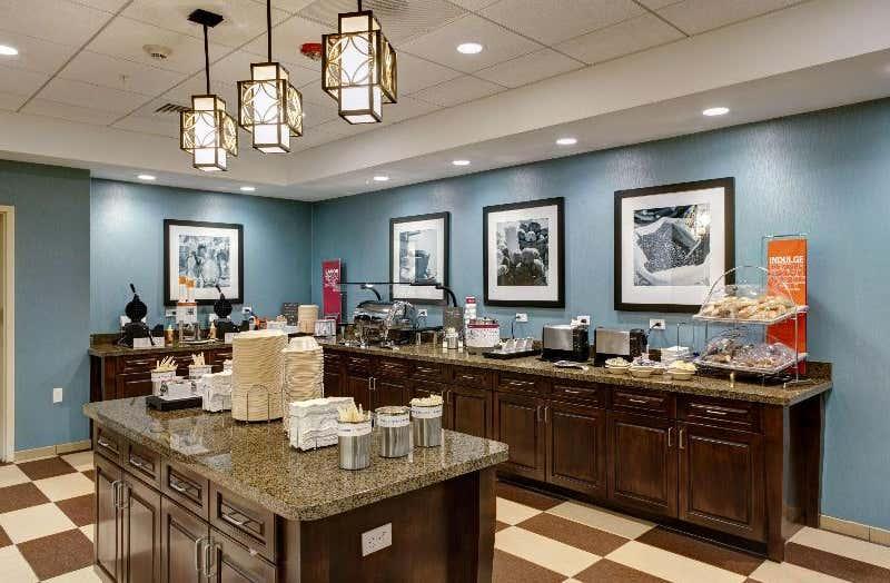Hampton Inn & Suites Vero Beach-Downtown, FL