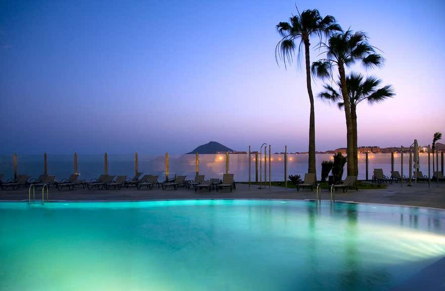 Arenas Del Mar Beach & Spa Resort