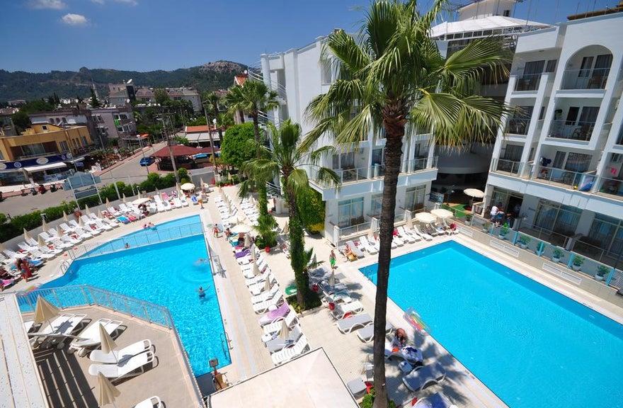 Club Atrium Hotel