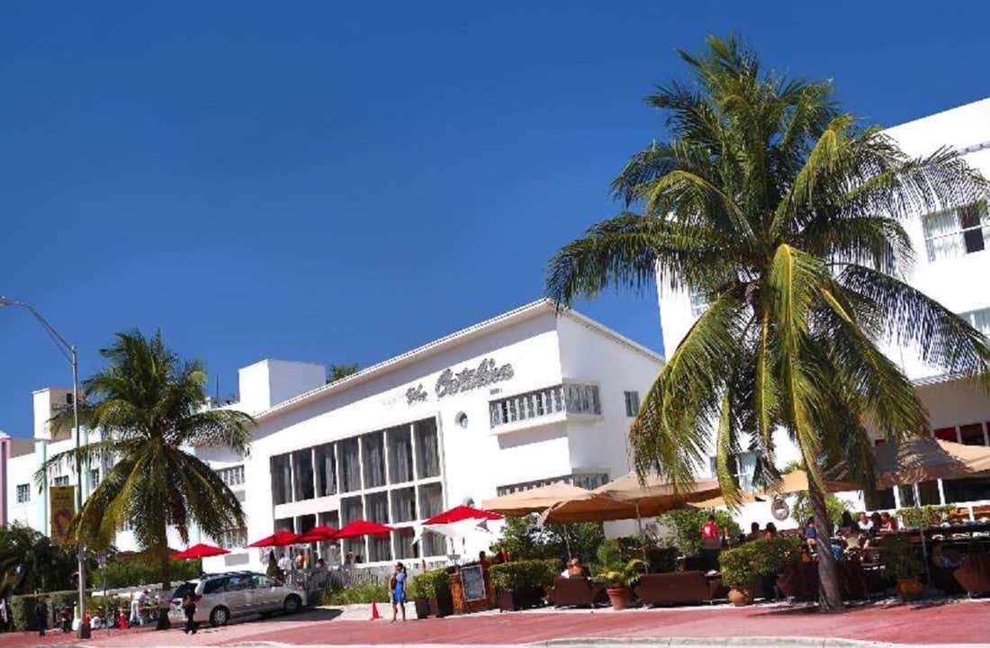 Catalina Hotel Beach Club A South