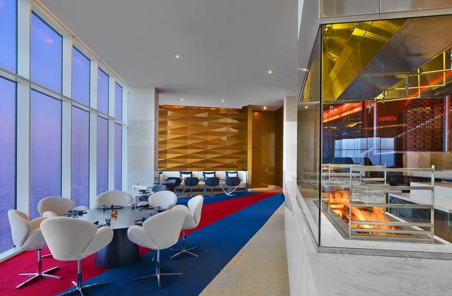 V Hotel Curio Collection By Hilton