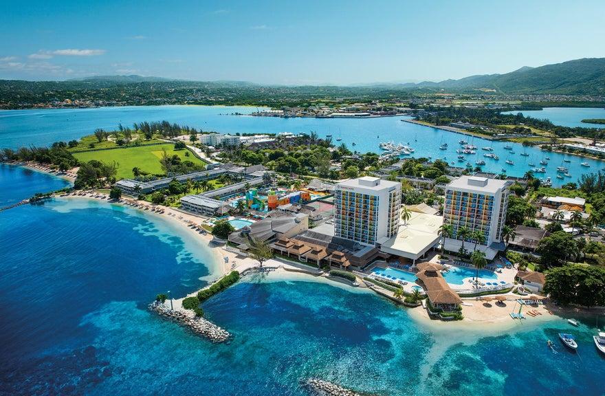 Sunscape Splash Resort & Spa