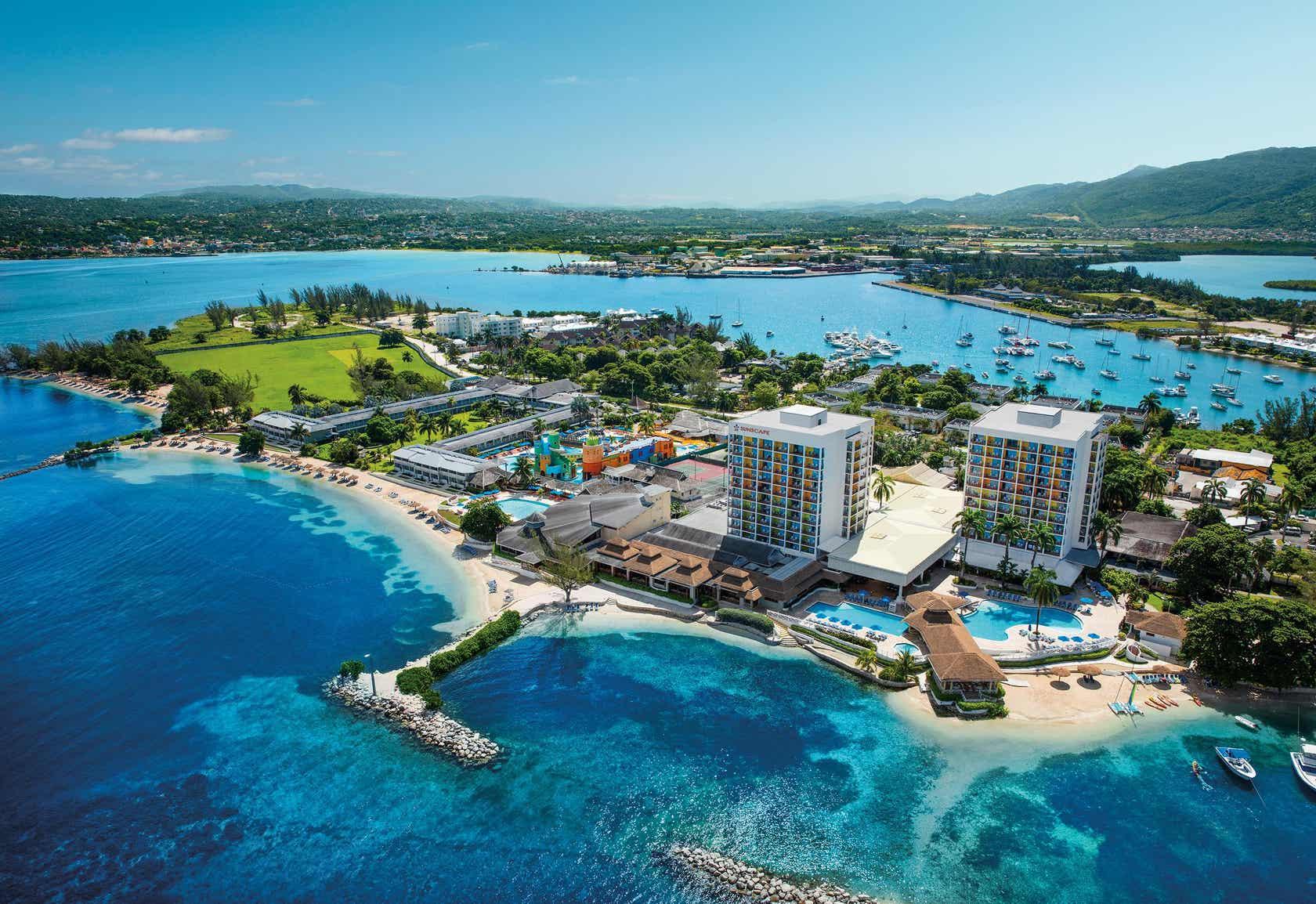 Sunset Beach Resort, Spa and Waterpark