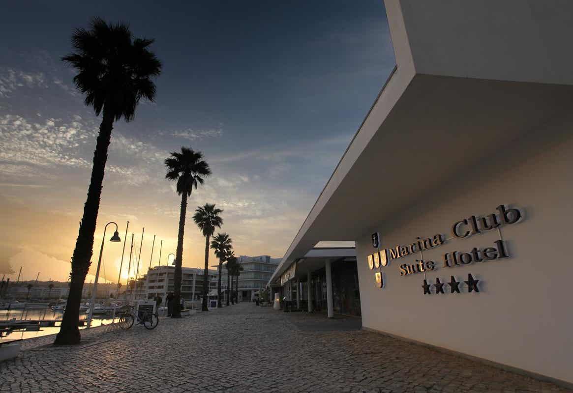 Suites Hotel Marina Club