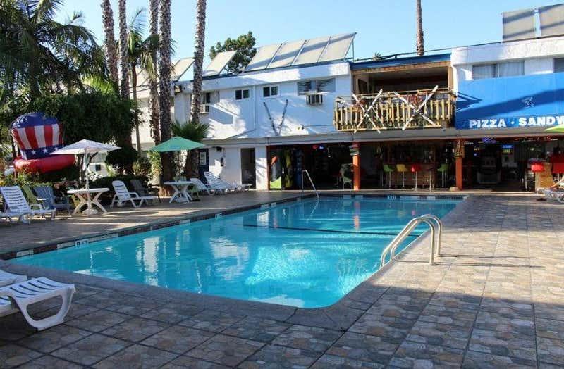 Tradewinds All Suite Hotel