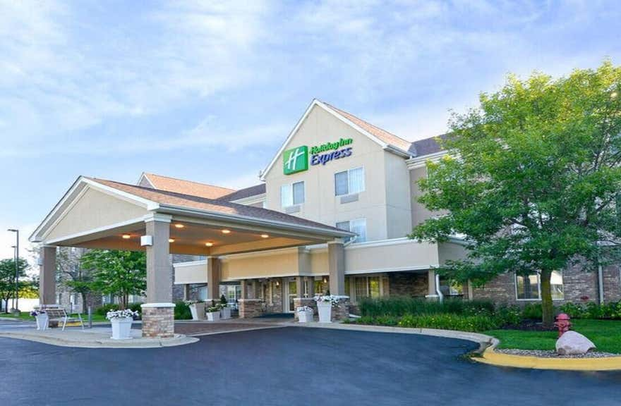 Holiday Inn Express Hotel & Suites Chicago-Deerfield/Lincoln