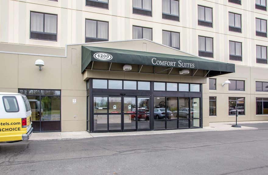 Comfort Suites Schiller Park - Chicago O'Hare Airport