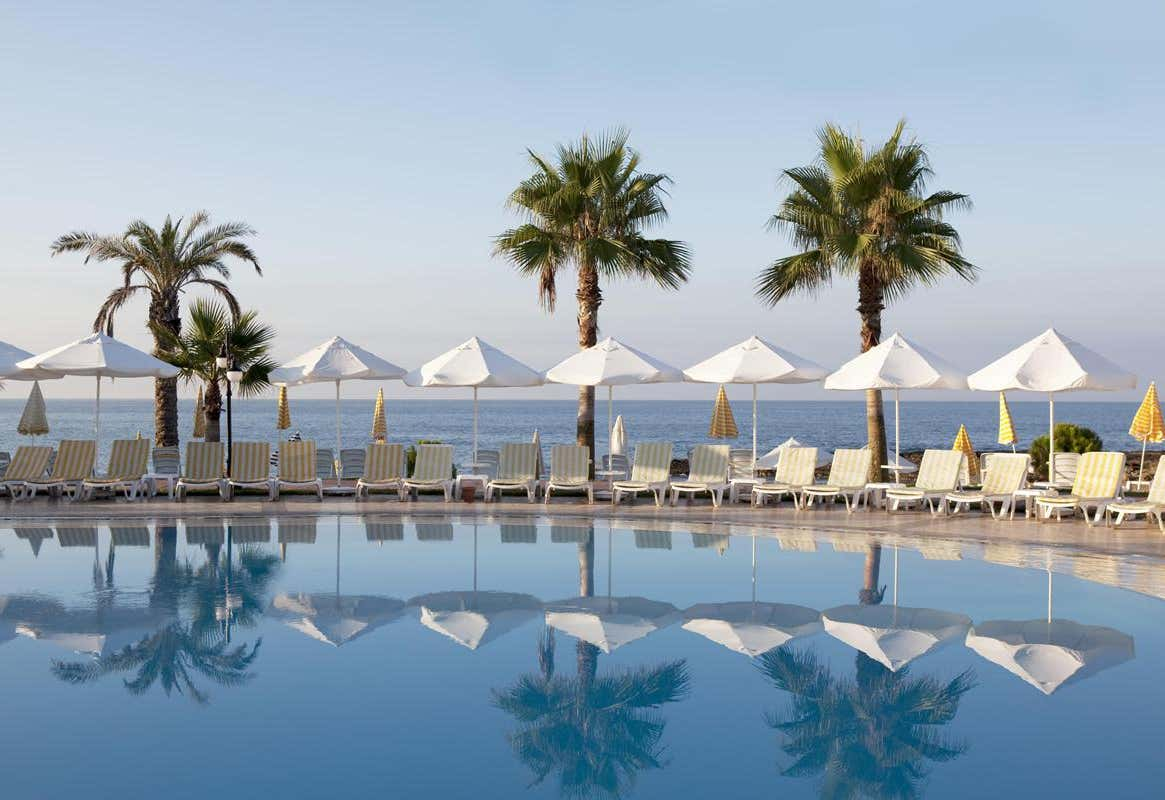 Oz Hotels İncekum Beach Resort