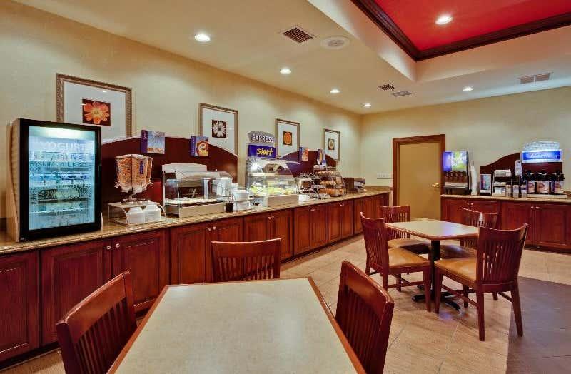 Holiday Inn Express Hotel & Suites Lakeland North - I-4
