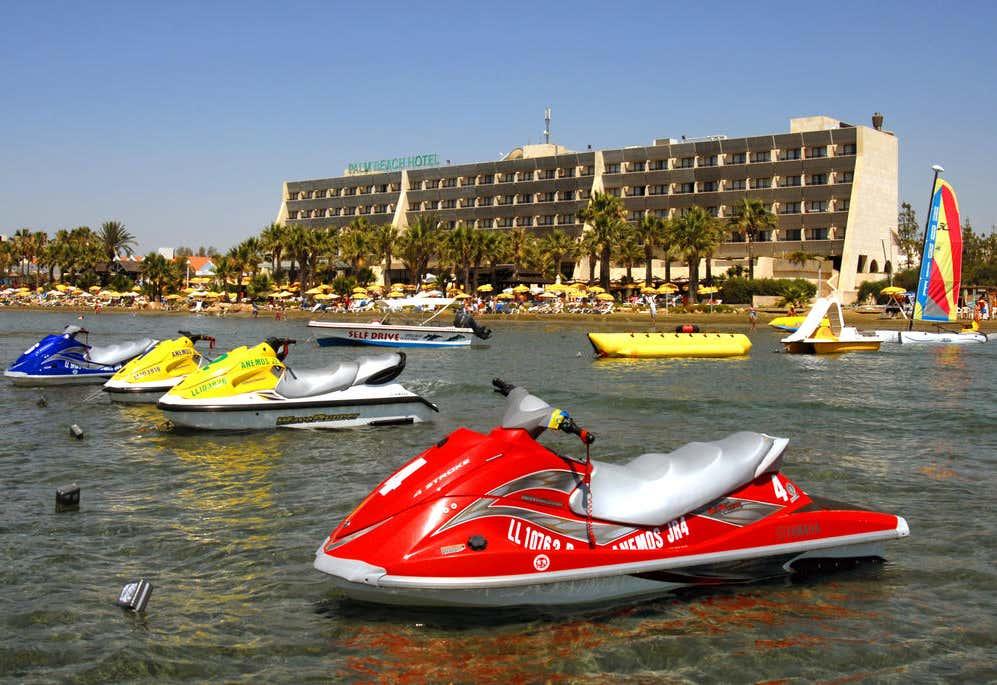 Palm Beach Hotel & Bungalows in Larnaca   loveholidays