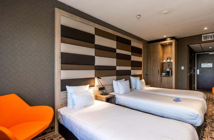 Xo Hotels Blue Tower