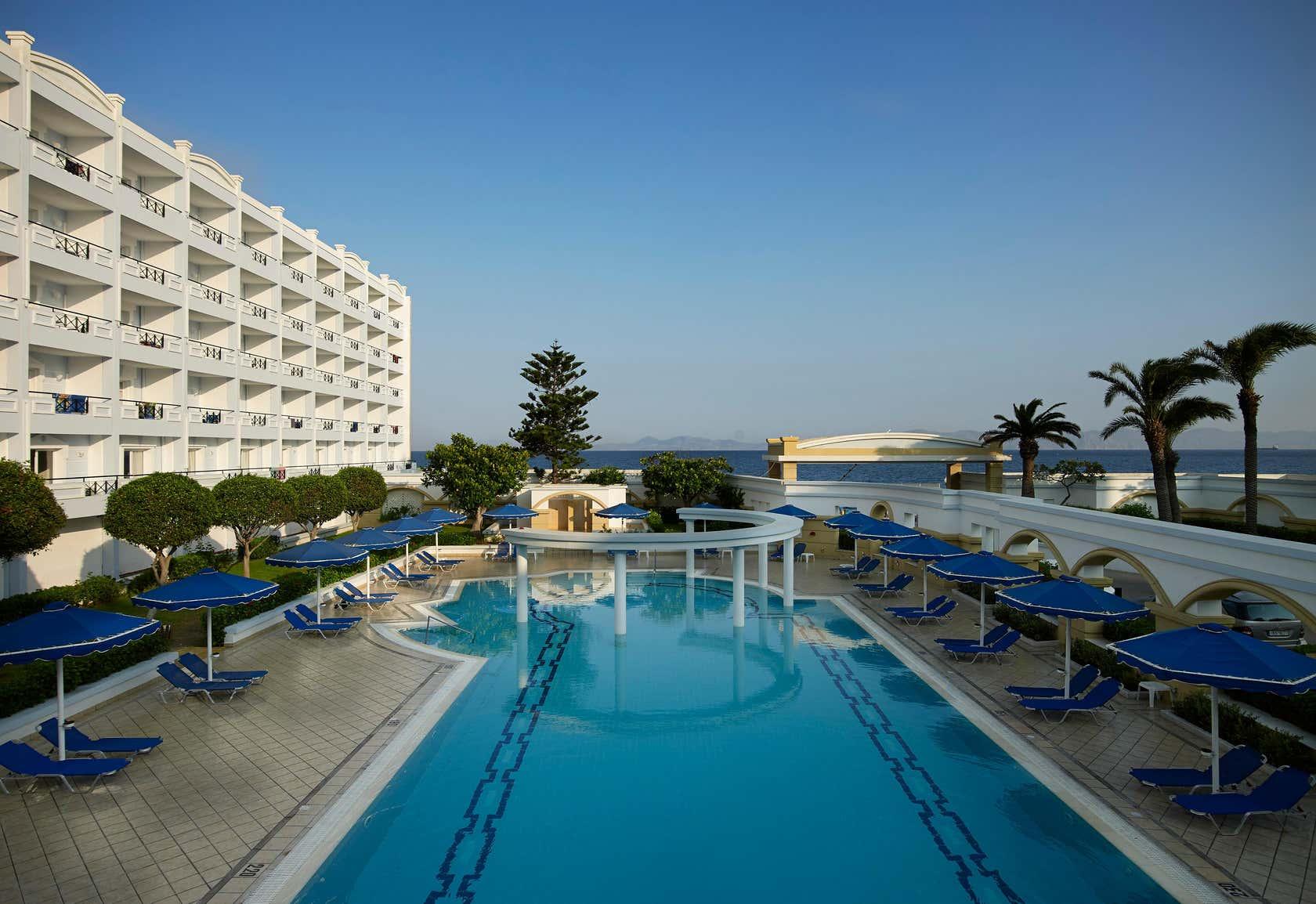 Mitsis Grand Beach Hotel