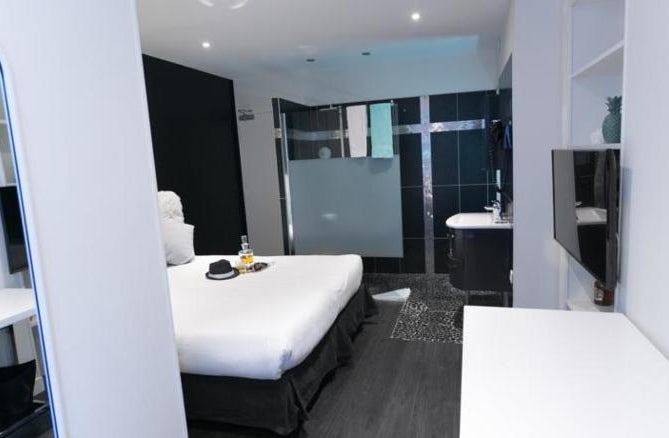Ideal Hotel Design in Paris, France | Holidays from £288 pp ...