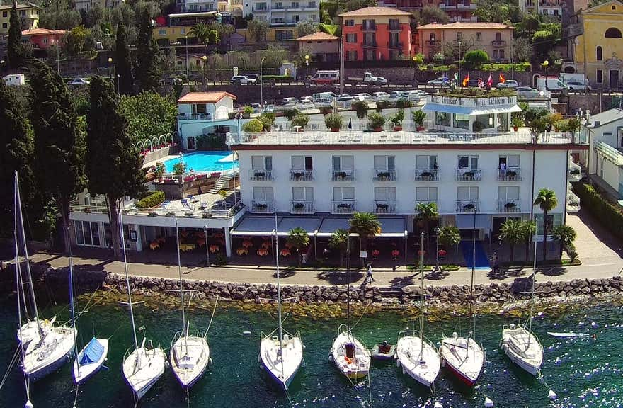 Hotel Excelsior Bay Malcesine In Malcesine Italy Holidays From