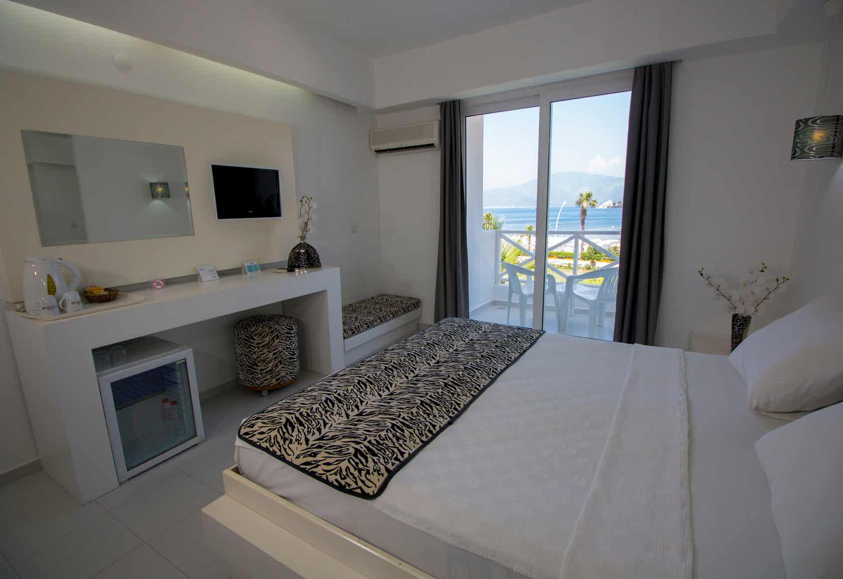 Casa and Blanca Hotel