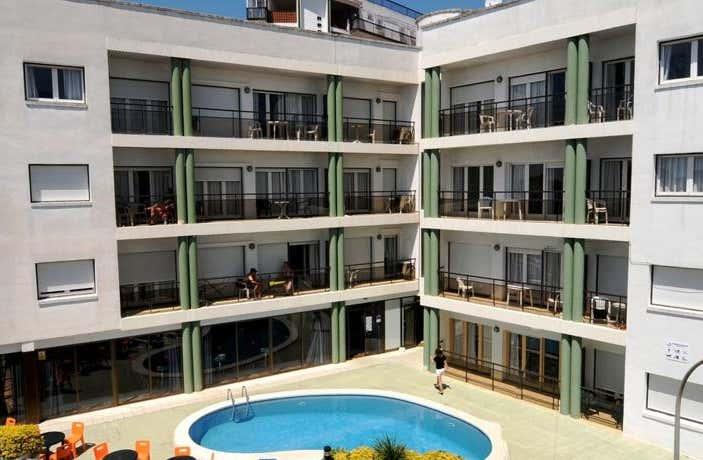 Ar Melrose Place Apartments