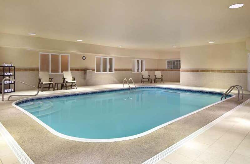 Country Inn & Suites by Radisson, Champaign North, IL