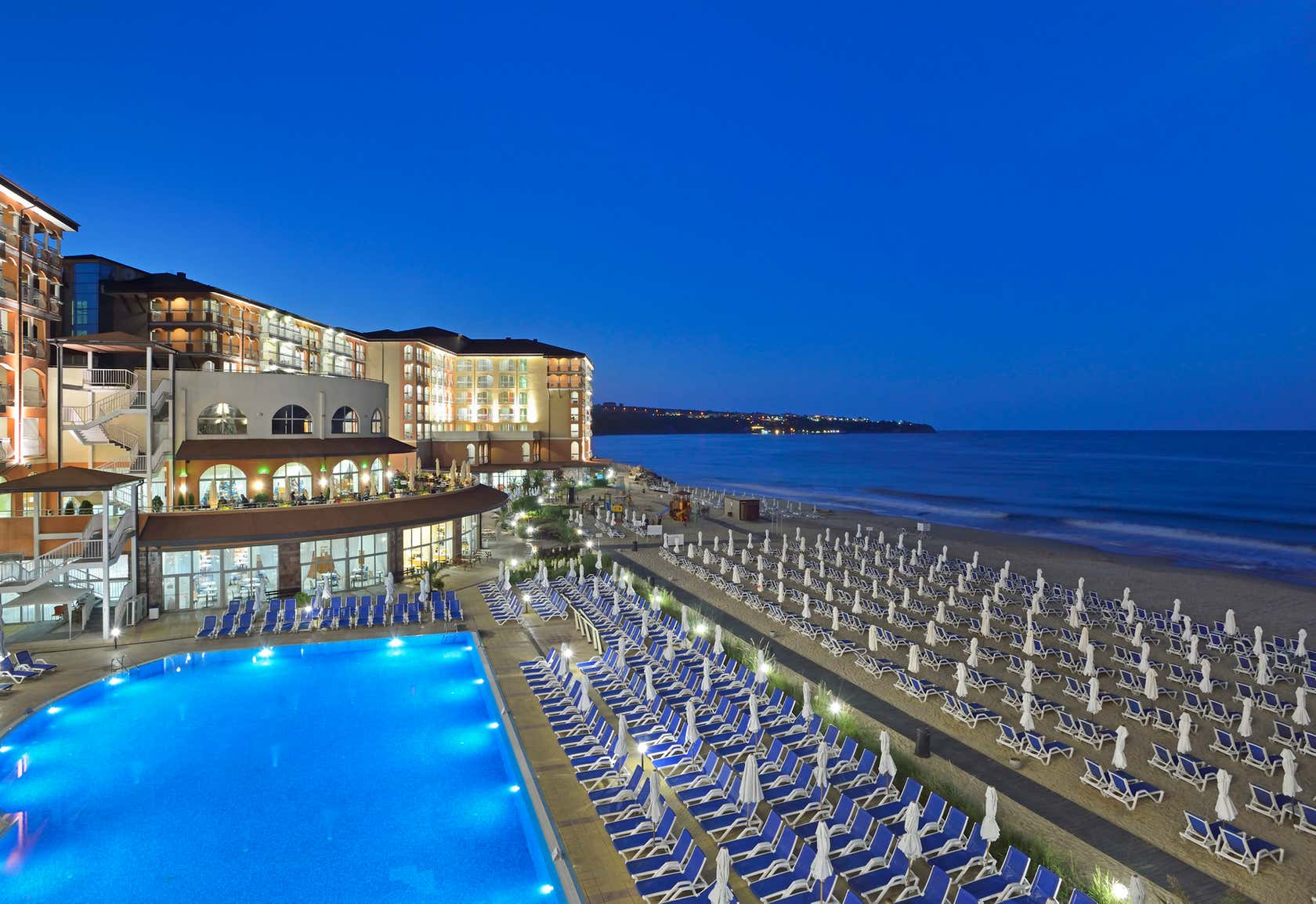 Sol Luna Bay and Mare Resort
