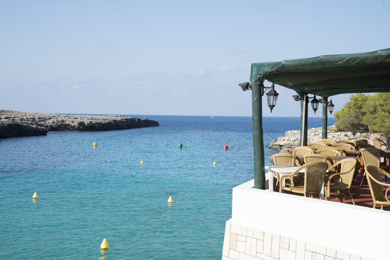 Apartments Mar Blanca in Menorca, Cala Blanca   Holidays ...